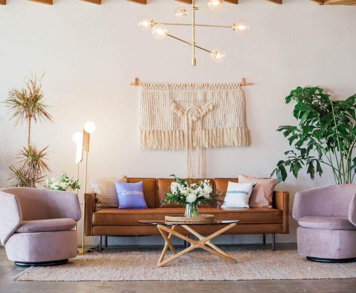 li-contracting-assembly-livingroom